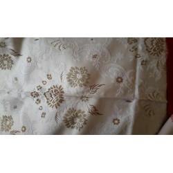 7059) Metri 10 Nastro bordatura passamaneria tessuto nero con decoro azzurro rosso mm 4